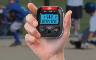 What are the features of Portable Lightning Detector?